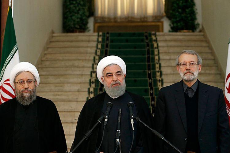 روحانی: سرعت تصمیم گیری در برخی مسایل مهم، از اهداف نشست سران قوا است
