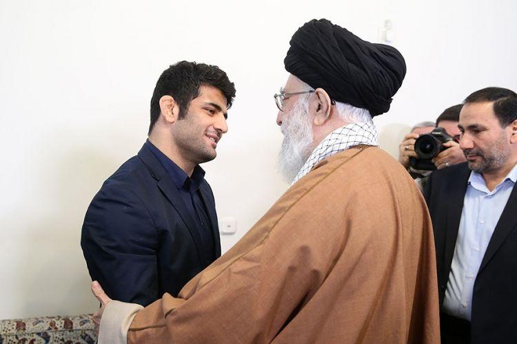 علیرضا کریمی پس از دیدار با رهبر انقلاب: امیدوارم پاسخگوی این محبتها باشم