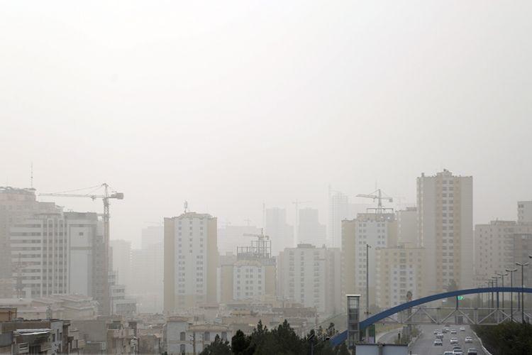 آلودگی هوا در پایتخت همچنان ادامه دارد