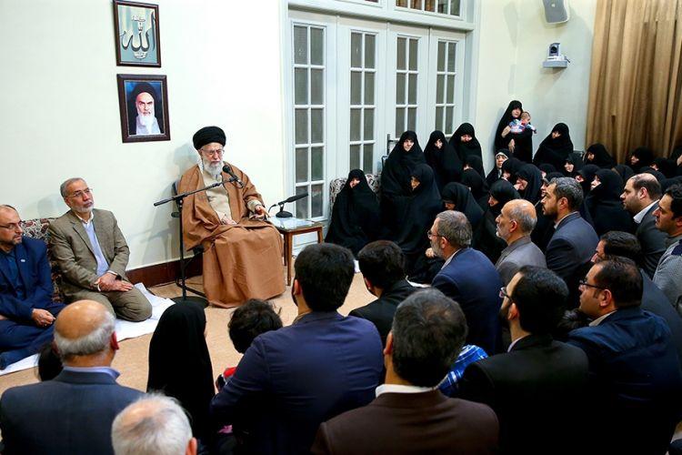 رهبر معظم انقلاب در دیدار هفتگی خانوادههای شهدا: دشمنان در قضایای اخیر همپیمان شدند تا برای نظام مشکل ایجاد کنند