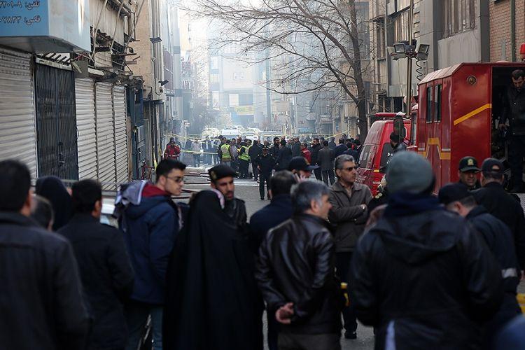 مردم به محل آتشسوزی برای تماشا نیایند