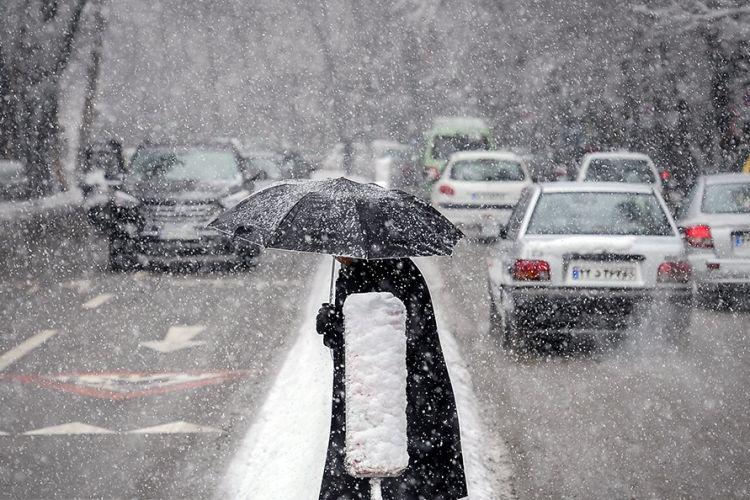 موج بارش ها فردا به کشور می رسد/ تهران از دوشنبه بارانی است