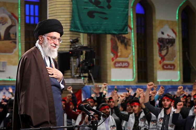 علت ایجاد جنگ هشت ساله ترس قدرتهای جهانی از اثرگذاری انقلاب اسلامی بود