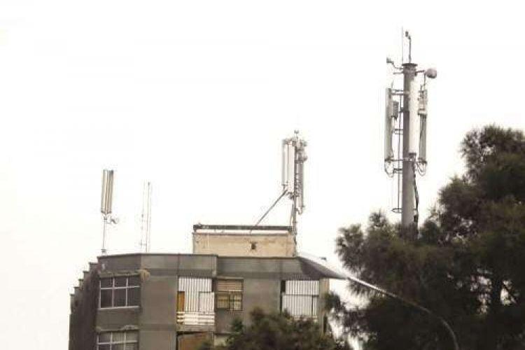 عضو شورای شهر تهران خبر داد: نصب 2 هزار دکل بدون مجوز در تهران