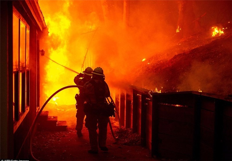 آتش سوزی مرگبار در ساختمان مسکونی