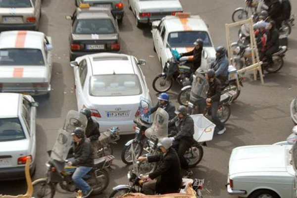 الزام موتورسواران برای دریافت آرم طرح ترافیک