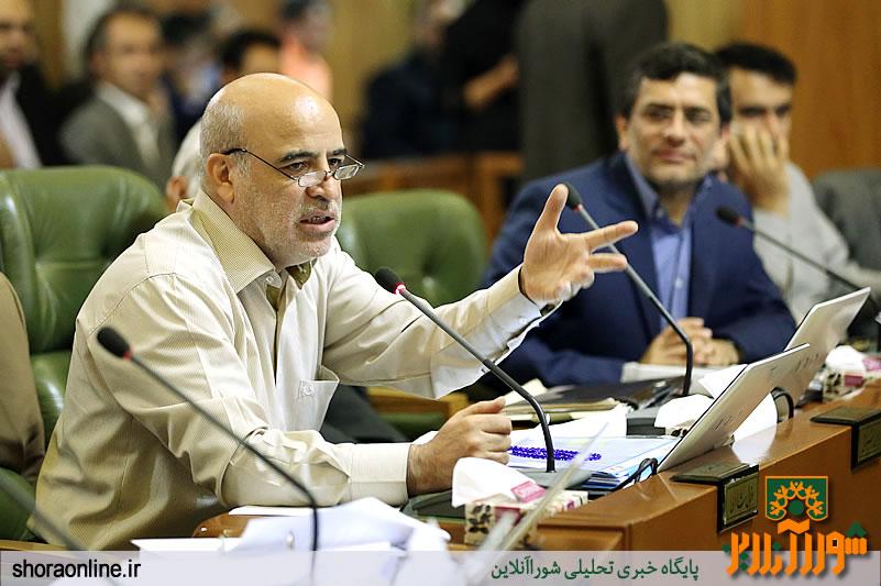 واکنش اقبال شاکری به صحبت های فرماندار تهران/دولت سهمش را بدهد تا حمل و نقل عمومی گران نشود