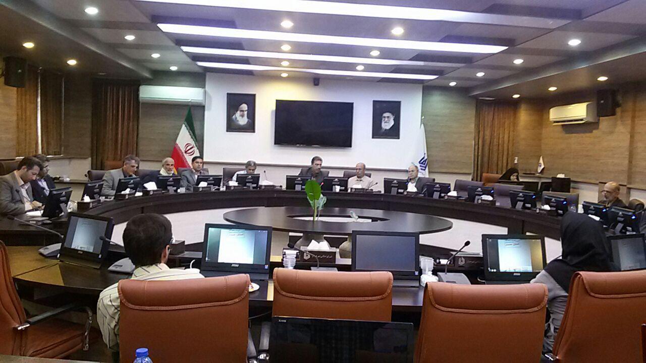 بررسی مشکلات شهر همدان با حضور معتمدین محلات