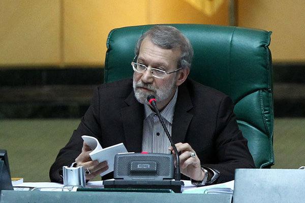 لاریجانی:مشکلات کشور با شعار و سر و صدا حل نمیشود