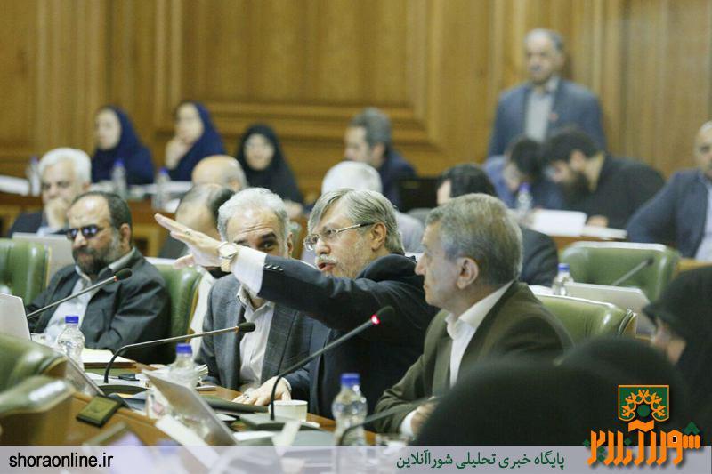 سرخو:نظارت بر شهرداری وظیفه شورای شهر است نه احمد توکلی!/چرا ما به اسناد دسترسی نداریم؟