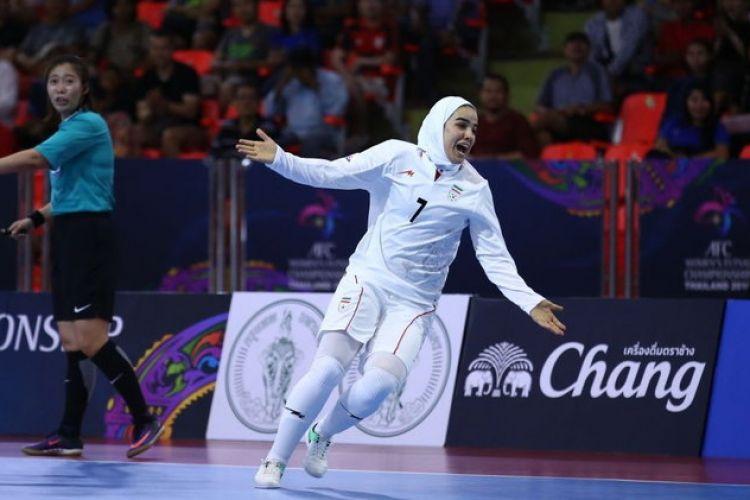 واکنش فرشته کریمی ارزشمندترین بازیکن فوتسال آسیا به قهرمانی دختران ایرانی