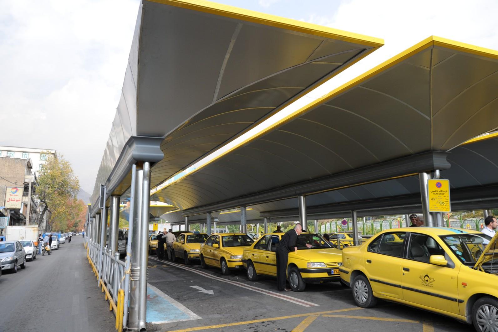 نصب برچسب های نرخ جدید کرایه تاکسی ها تا پایان هفته