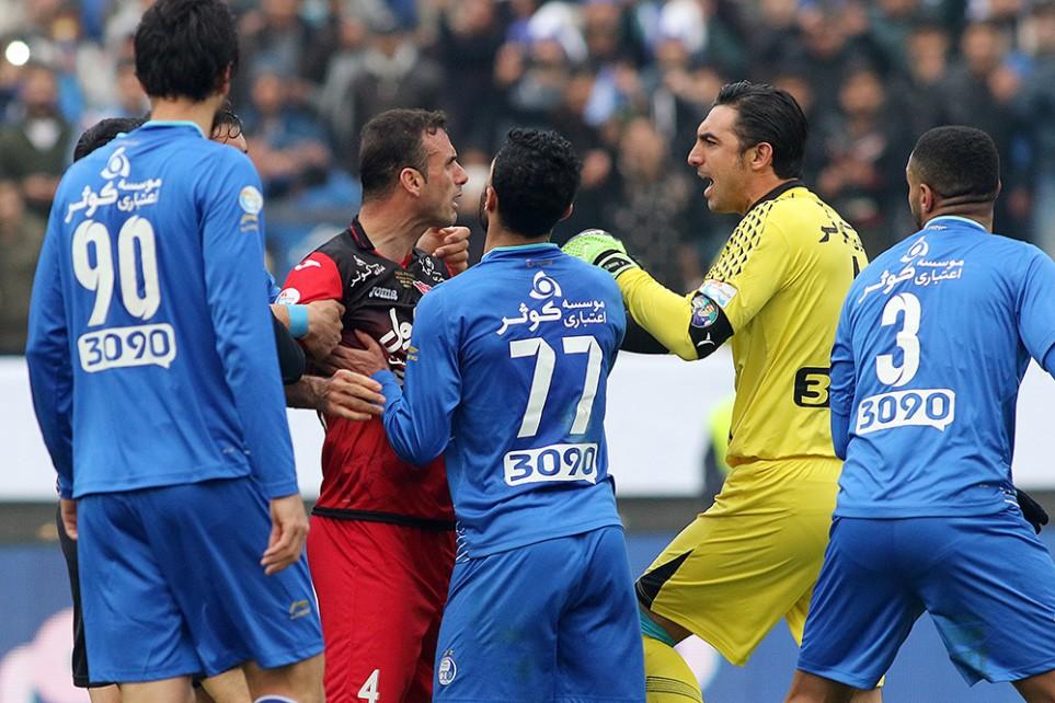 حسنزاده: رفتار بازیکنان موجب ایجاد تنش در سکوها شد