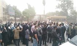 تجمع  اهوازیها برای دومین روز مقابل استانداری خوزستان