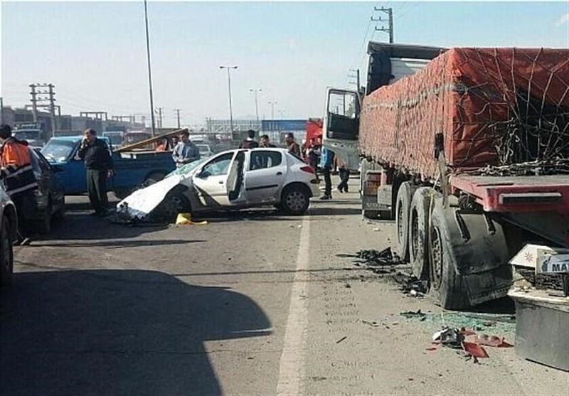 تصادف خونین پژو ۲۰۶ با تریلی در جاده خاوران + عکس