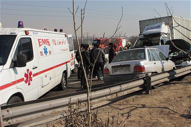 تصادف خونین 4 خودرو در جاده کرج +عکس