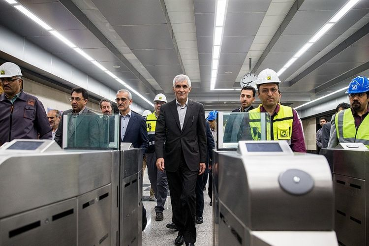 واکنش شهردار تهران به خبر واردات واگن مترو:هدفمند دروغ می گویند!