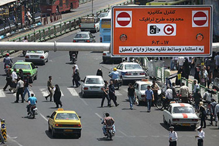 انتقاد عضو شورا از شیوه توزیع آرم ترافیک:چرا نمایندگان مجلس و فرزندانشان طرح ترافیک خبرنگاری گرفتند؟!