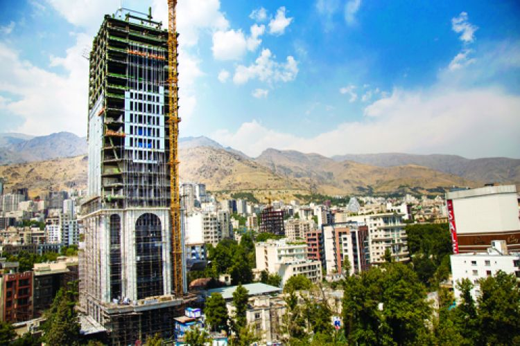 عضو شورای شهر تهران: شهرداریها دوست دارند مردم تخلف کنند!