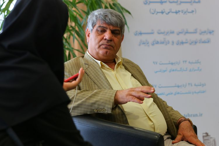 نایب رئیس شورا:متاسفانه در کشور مراکز علمی و اجرایی بیگانه هستند/ بخش های پژوهشی در شهرداری جزیره ای عمل می کنند