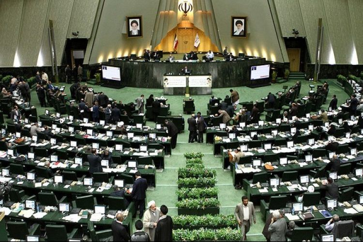سخنگوی کمیسیون فرهنگی مجلس: از همان اول مشخص بود که نجفی موفق نمی شود/ شهروندان تهرانی از انتخاب شهردار سیاسی آسیب جدی دیدند