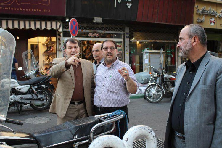 بازدید میدانی دبیر شورایاران منطقه 12 از محله بهارستان و باغ سپهسالار