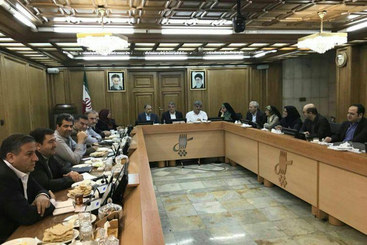 تصمیمات مهم پای میز صبحانه و ناهار؛ نمایش در صحن علنی!/شائبه مهندسى اعلام دلایل استعفاء شهردار تهران