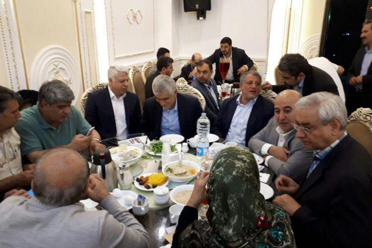 واکنش شورای شهر تهران به ضیافت افطار حاشیه ساز:با هزینه شخصی و در تالار شهرداری افطاری دادیم