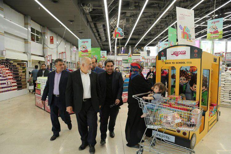حق شناس در بازدید از فروشگاه شهروند: شهروندان به شایعات مبنی بر کمبود کالا توجه نکنند
