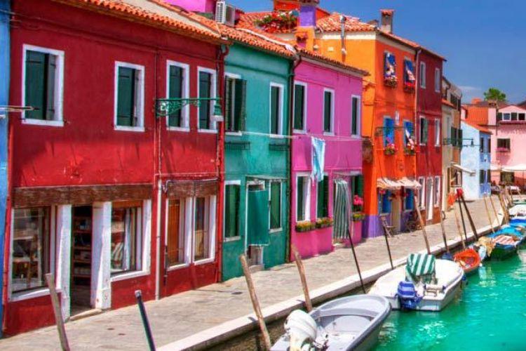 نقش رنگ در فضاهای شهری